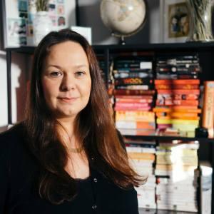Sarah Denzil Author Photo 1